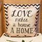 Preview: Kissen Love Makes A House A Home