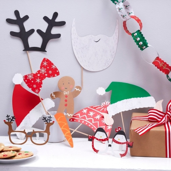 Photo Booth Weihnachten.Festive Family Photo Booth Party Props Santa Friends